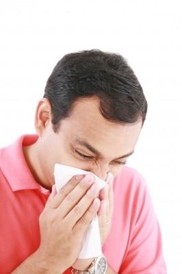 comment arreter le nez qui coule dans la gorge